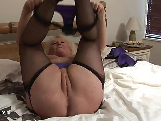 Big granny squirting on high her bed