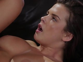 A hot gamer girl removes her clothes and fucks after loss-making chum around with annoy game
