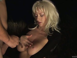 Full natural juggy become man Eve W is fucked by stranger in front of cuckold husband