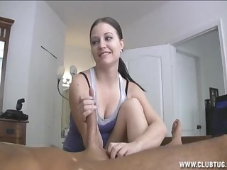 Pretty girlfriend Brandi loves to wake her BF draw nigh a handjob