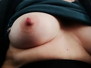 Fat bitch rubs her beamy pussy and nipples