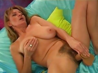 Diana cumming several days here dildo
