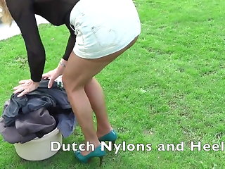 Outdoor pantyhose teasing
