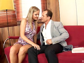 Desirable blonde mature Understandable Diamond gets her pussy fucked