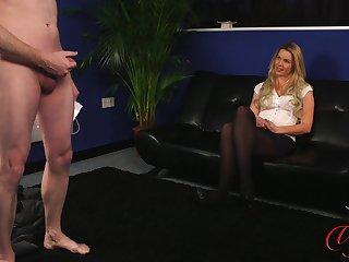Amateur blonde Feel Monroe enjoys watching a horny guy jerk off