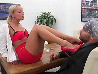 Victoria Pure seduced her associate