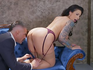 Curly brunette moans greatest extent being fucked in doggy - Ivy Lebelle