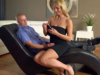 Threesome hither duo thick blondes